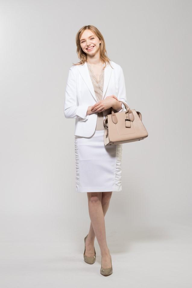 白スーツ3