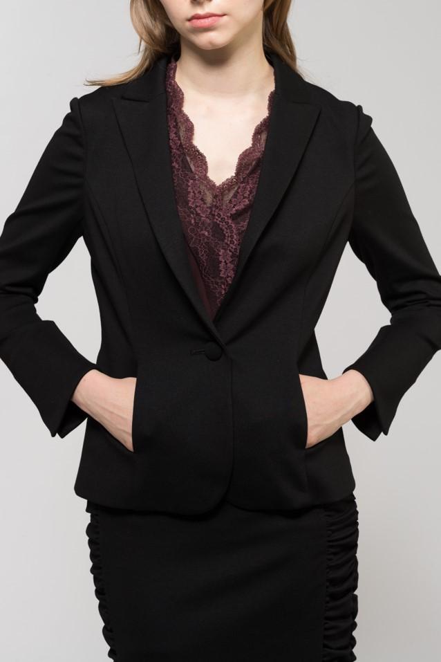 黒スーツ1