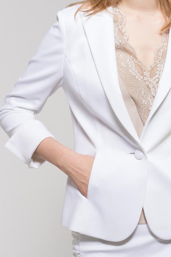 ホワイトスーツ2